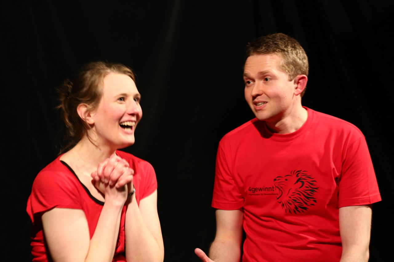 VIDEO: Highlights vom 4gewinnt Improtheater Braunschweig