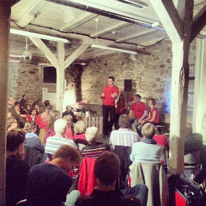Showbericht: Impro-Galopp im Pferdestall…4gewinnt sprengt Harbke!