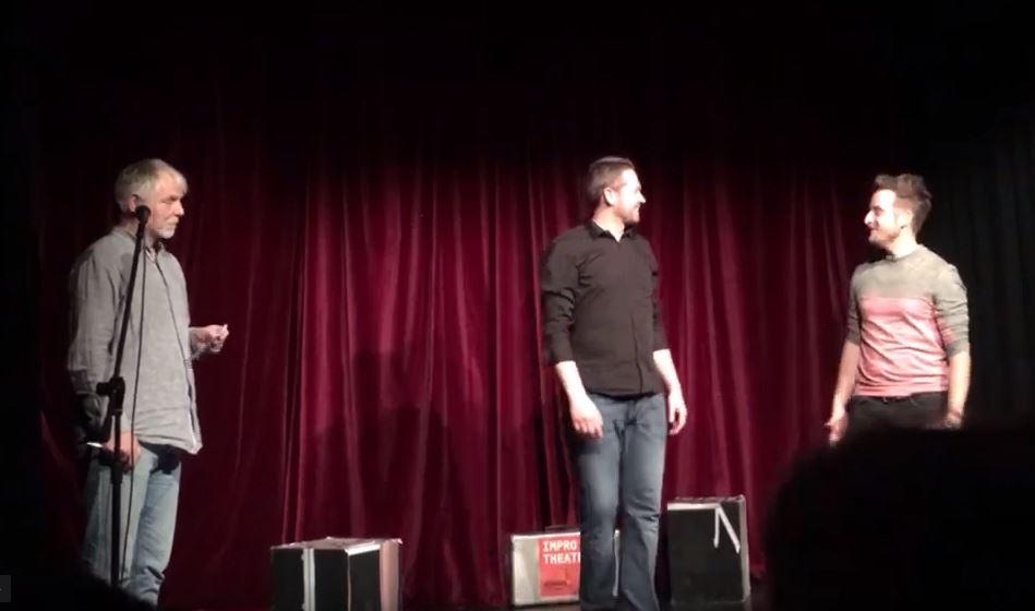 Video: 1. Kuss eines Pärchens aus dem Publikum…Romantic Comedy